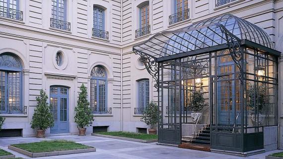 Entrance to the AC Santo Mauro Hotel