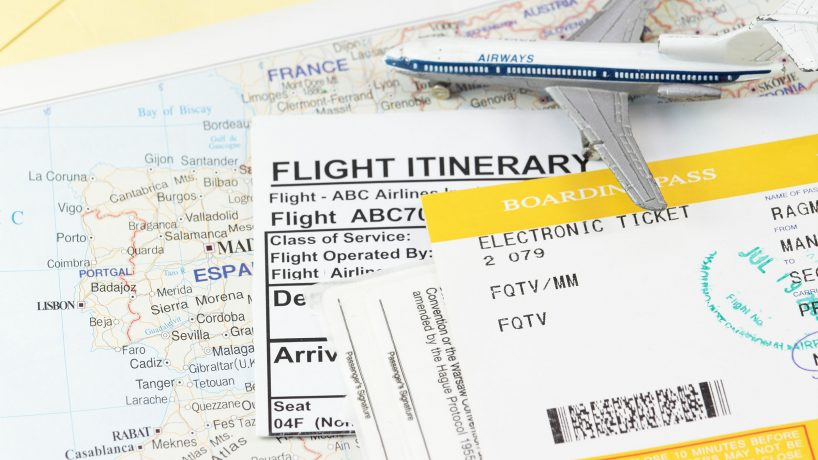 1576602366 How to get the boarding pass and check your bags