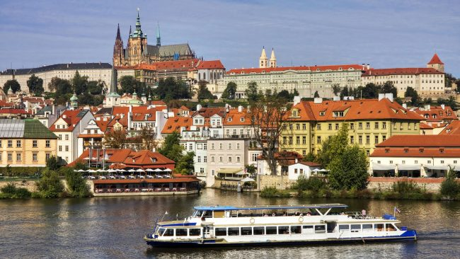 Views of the Castle and the Malá Strana neighborhood in Prague