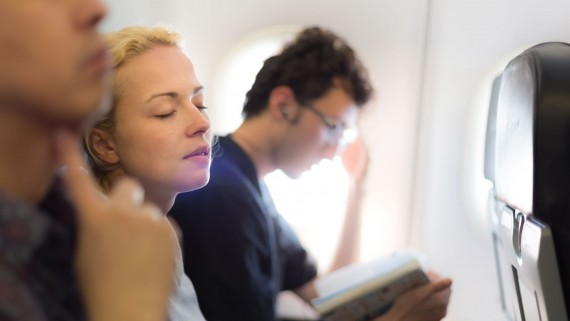 Sleep during the flight to overcome the fear of flying