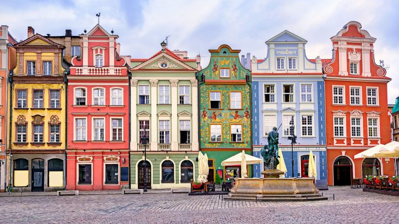 Tips documentation and requirements to travel to Poland