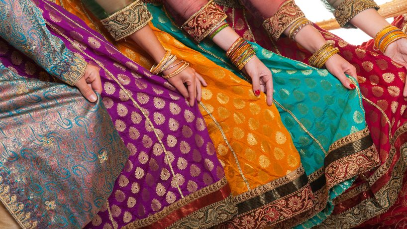 Indian clothing what are the typical costumes