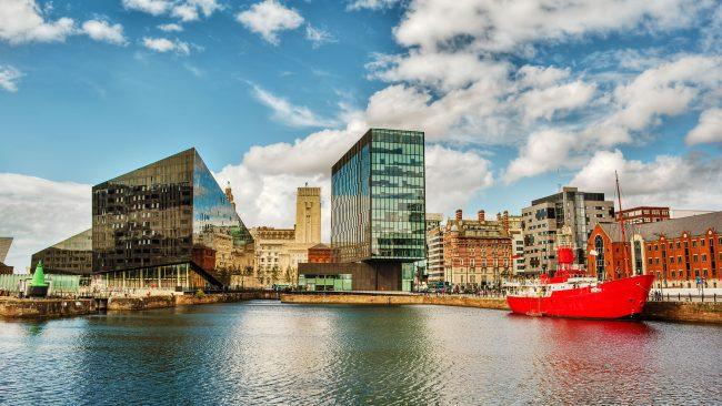 Liverpool: coastal city of United Kingdom