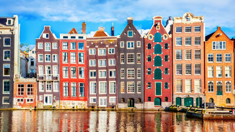 Tips documentation and requirements to travel to Holland