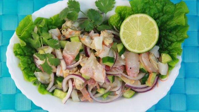 Ceviche de poisson typique en Amérique latine