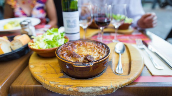 Presentation of a cassoulet dish in Toulouse