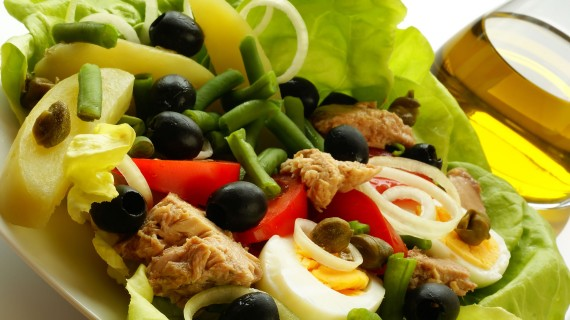 Salade Niçoise or Nizarda Salad