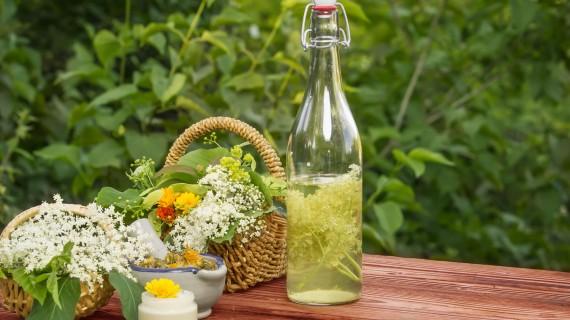 Herbal or flower liquor