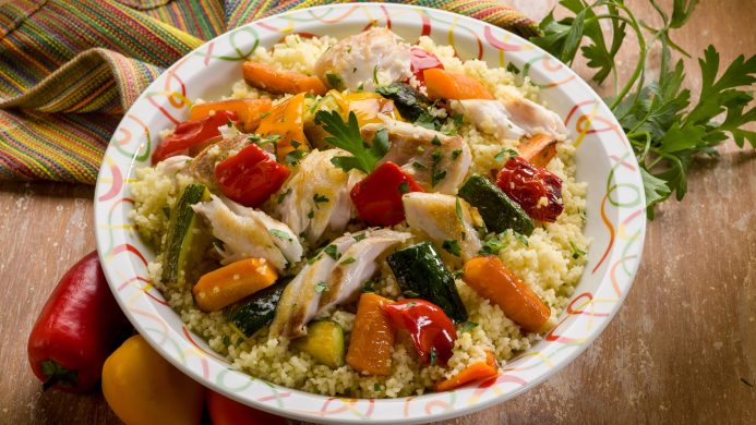 Couscous accompanied by chicken and vegetables