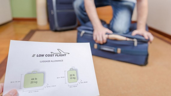 How to take hand luggage measurements before flying