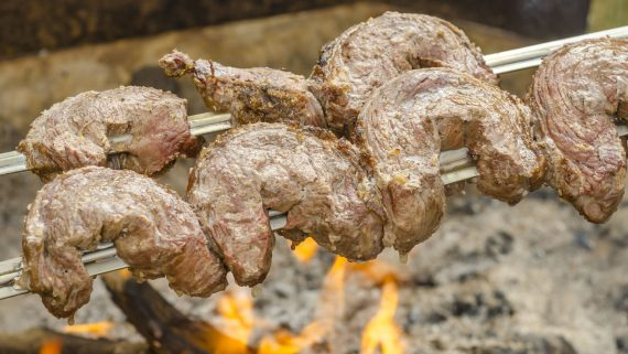 """""""Picanha"""" to the fire"""