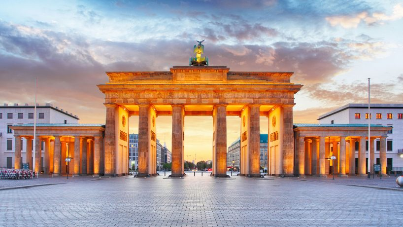 Tips documentation and requirements to travel to Germany