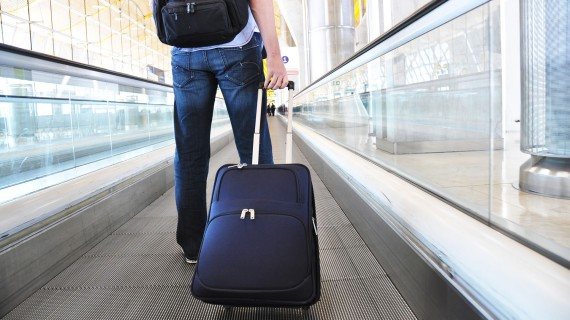 Check well that you meet the requirements established for hand luggage