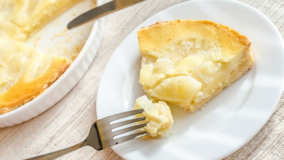 Flan or pineapple cheese