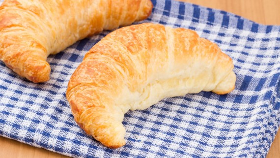 Croissants, horns, crabs or cachitos