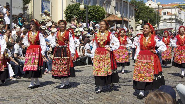 Costume Portugais Lavradeira