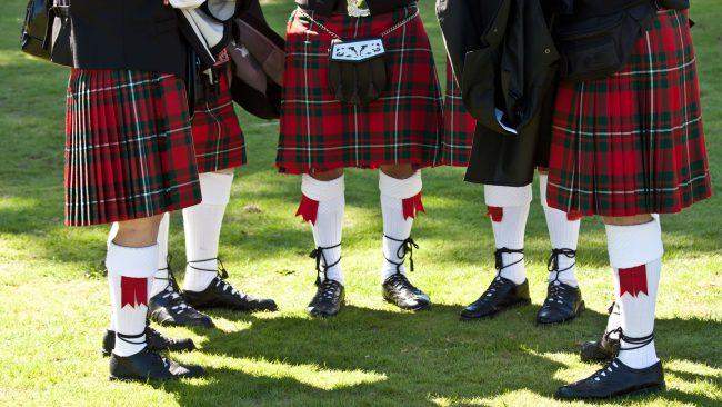 Le fameux tartan écossais en kilt