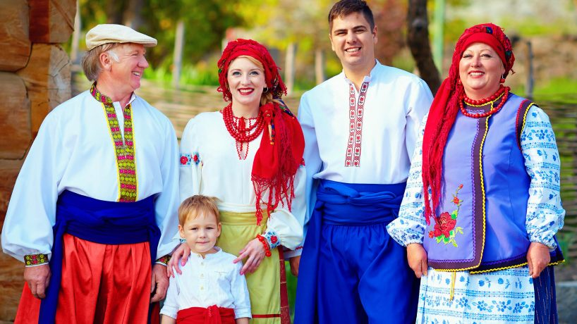 How is the typical European clothing for men and women