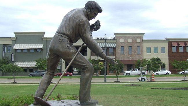 Statue of Elvis Presley in Tupelo, Mississippi