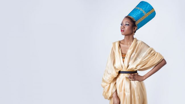 Typical clothing of Egypt: Queen Nefertiti costume