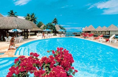 Hotel with pool in Polynesia