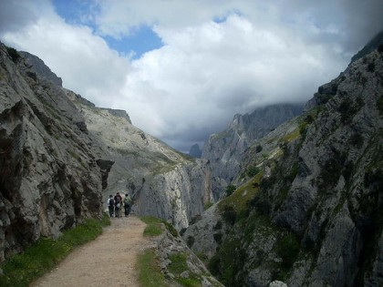 hiking in León
