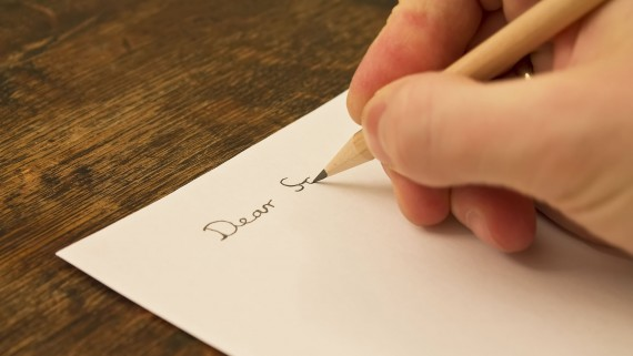 """Start a letter with """"Dear"""" in English"""