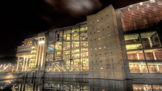 Palais d'Euskalduna la nuit, Bilbao, Biscaye, Espagne