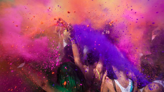 The Holi festival, an option for singles traveling to India