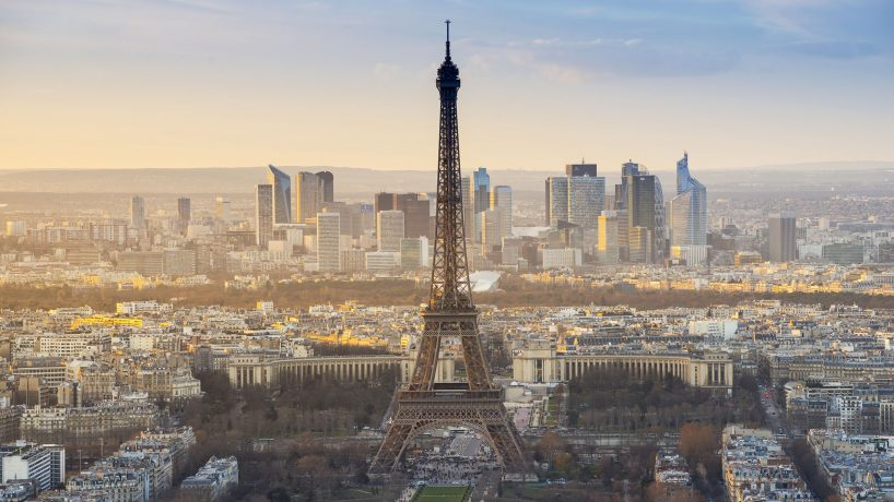 Tips documentation and requirements to travel to France