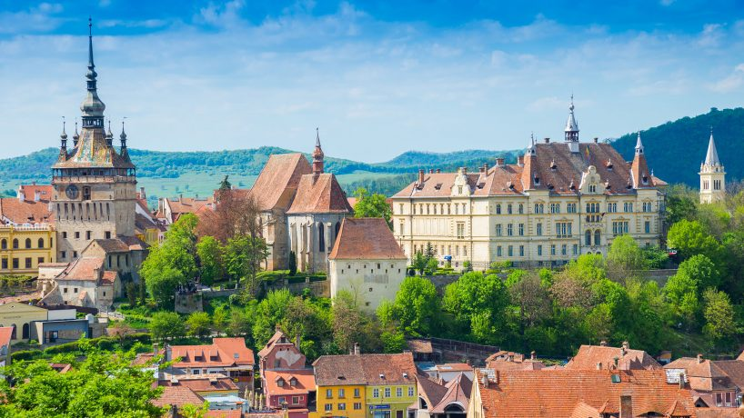 Tips documentation and requirements to travel to Romania