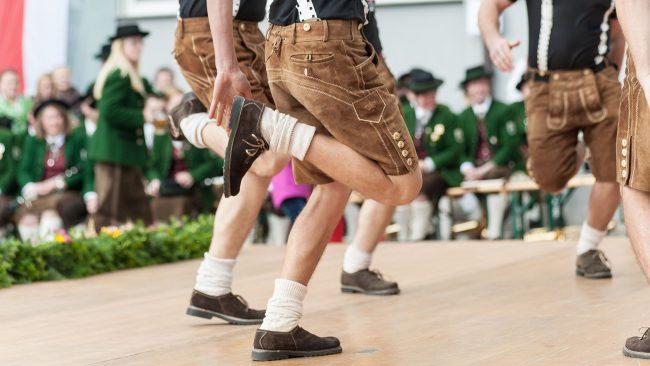 Le Schuhplattler: danse traditionnelle de l'Allemagne