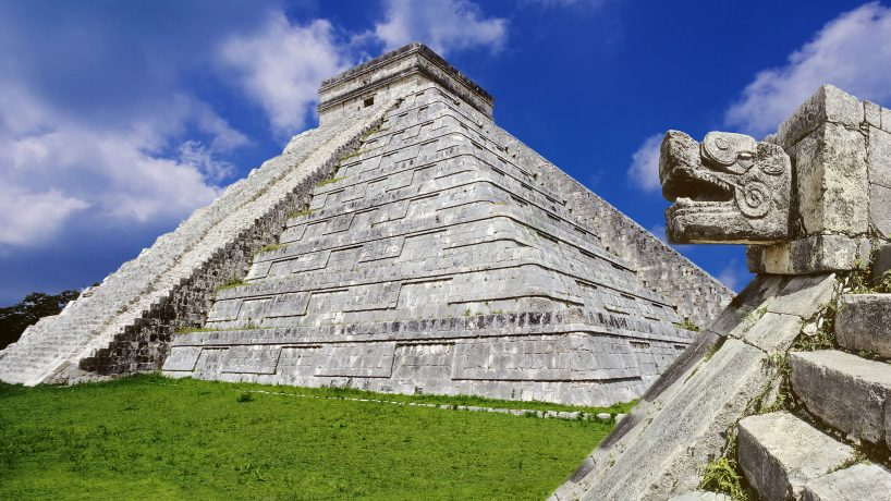 Discovering the Mayan ruins Chichen Itza