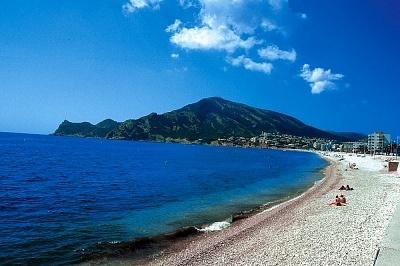 The beach of San Juan in Alicante enjoying