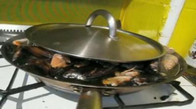 paella in preparation