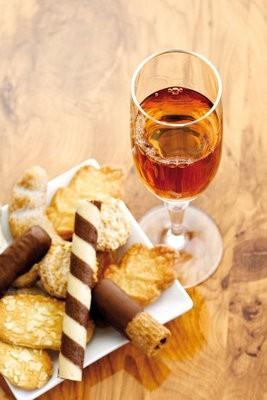 Sherry wine with snacks