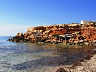 Fishing booths in Cala Saona