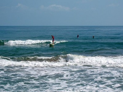 Surf in Cahuita Beach