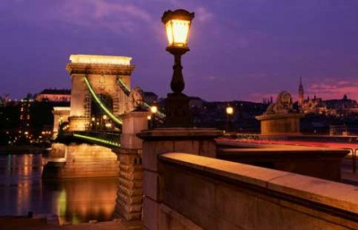Arrival to Budapest bridge