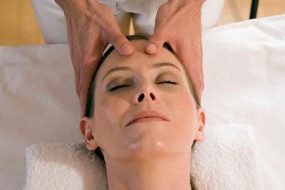 Spa in Bilbao facial massage