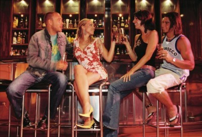Nightclubs in Sabadell at the bar