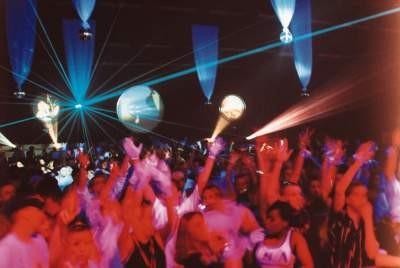 Fabrik disco dancing