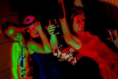 Discotheques in A Coruña dancing