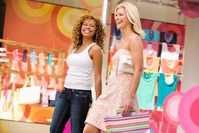 La Villa shopping center buying