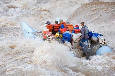 Multiadventure fast rafting