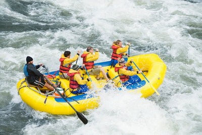 Rafting in Huesca in action