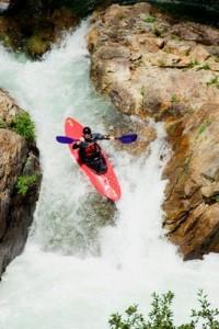Downhill kayak coordination