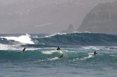 Surf in Tenerife. Cross port
