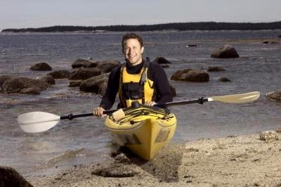 kayaking courses entering the sea