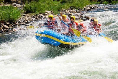 rafting in Cantabria on the river